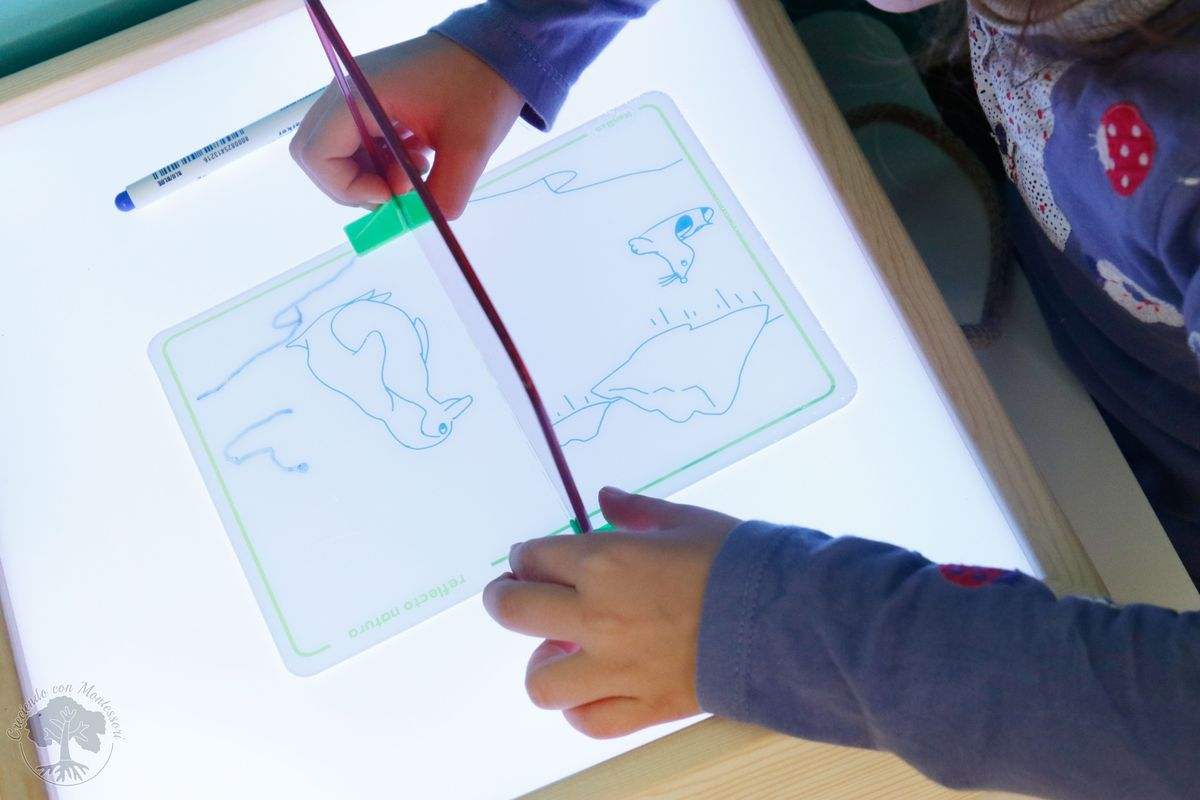 Trabajar la simetr a con dibujos reflejados y en espejo for Espejo montessori
